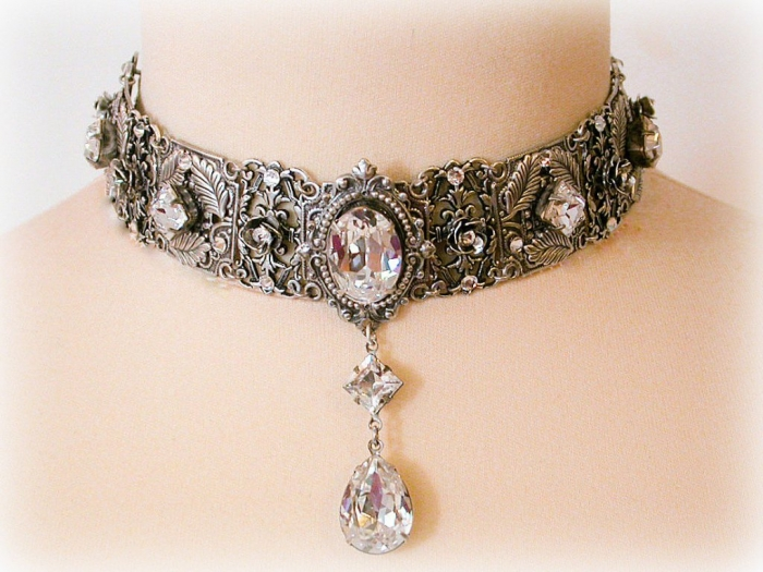il_fullxfull.384410686_n034 25 Victorian Jewelry Designs Reflect Wealth & Beauty