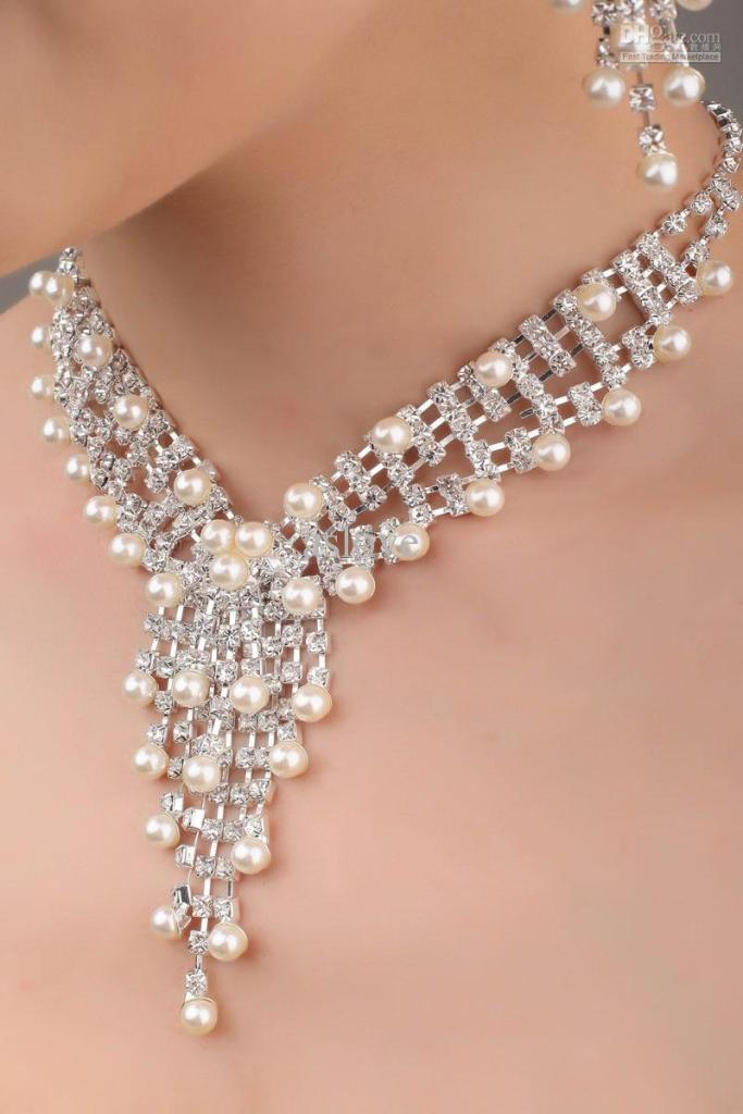 in-stock-bridal-jewelry-sets-j89-1-pearl How to Choose Bridal Jewelry for Enhancing Your Beauty
