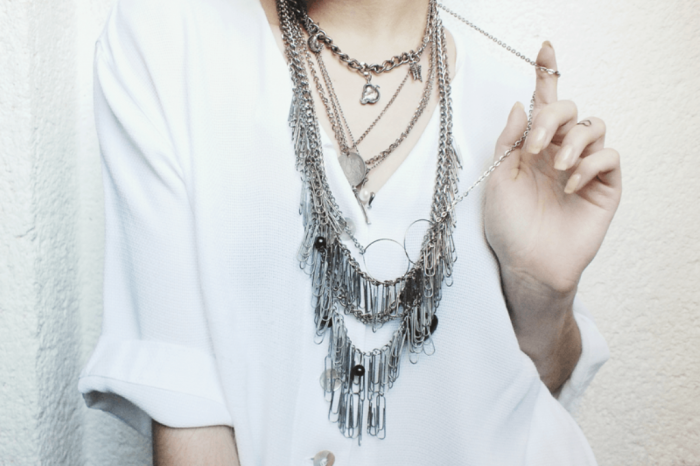 jewelry3-moiminnie Look Fashionable by Layering Your Jewelry