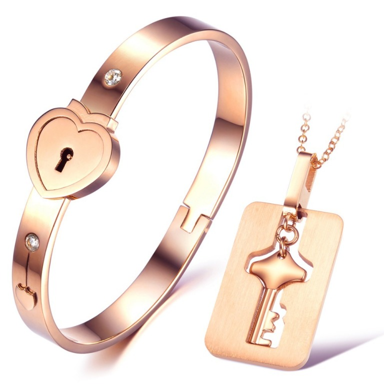 min-order-10-Romantic-heart-bracelet-necklace-jewelry-set-made-with-stainless-steel-high-quality How to Tell Real Jewelry from Fake