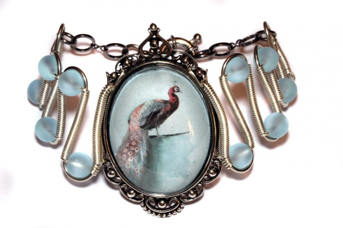 neo_victorian_jewelry___bracelet___peacock_cameo_by_catherinetterings-d61pv4j 25 Victorian Jewelry Designs Reflect Wealth & Beauty