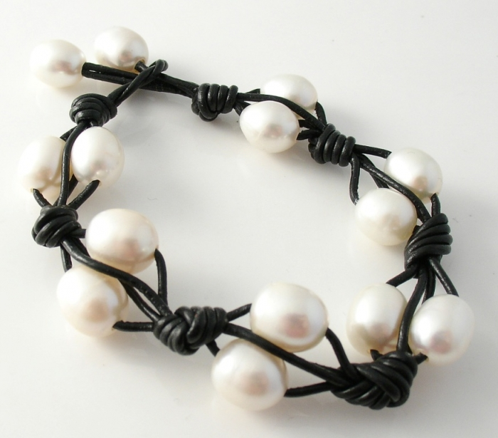 pearl-and-leather-black-bracelet Top 25 Breathtaking & Stylish Leather Jewelry Pieces