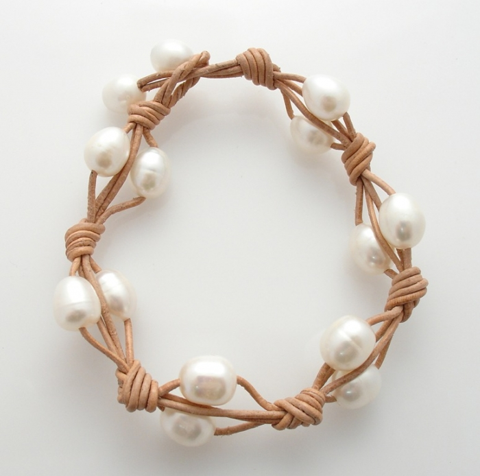 pearl-and-tan-leather-bracelet-2 Top 25 Breathtaking & Stylish Leather Jewelry Pieces