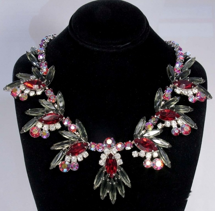 pretty-costume-jewelry How to Clean Green Gunk from Your Costume Jewelry