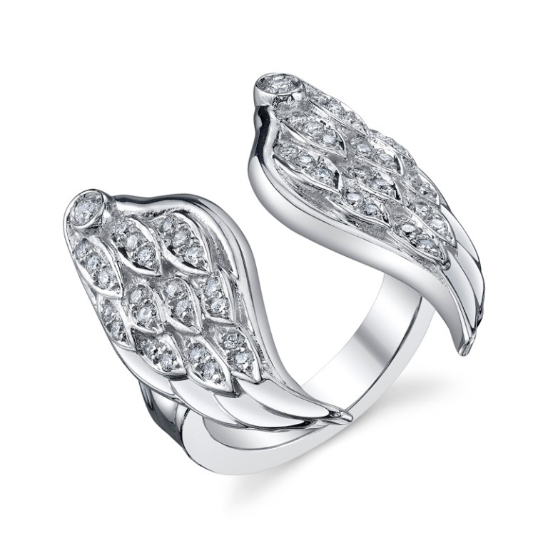 q-jewelry-design-the-wing-white-gold-ring White & Yellow Gold, Which One Is the Best?