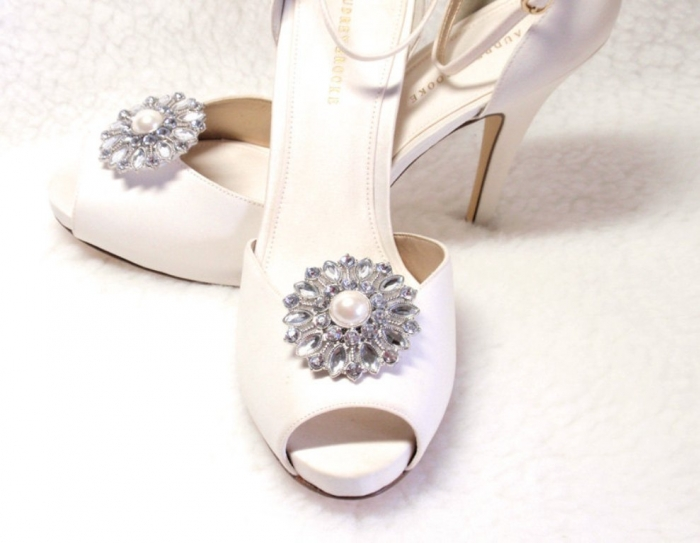 rhinestone_shoe_clips_1_pair_2_c_101540916_1 27 Ideas Bring a New Life to Your Shoes by Adding Shoe Clips & Charms