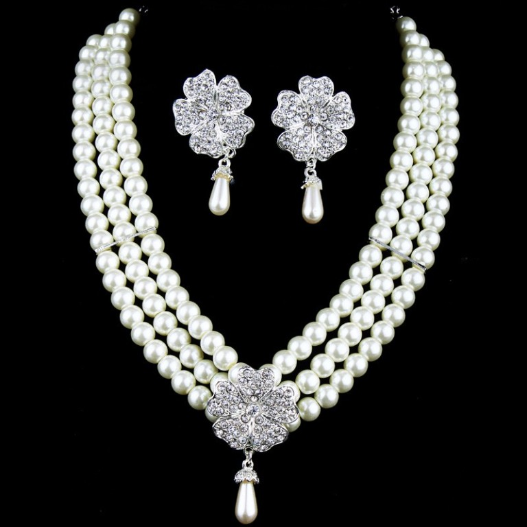rhinestones-flower-and-pearls-wedding-jewelry-setincluding-earrings-and-necklace How to Choose Bridal Jewelry for Enhancing Your Beauty