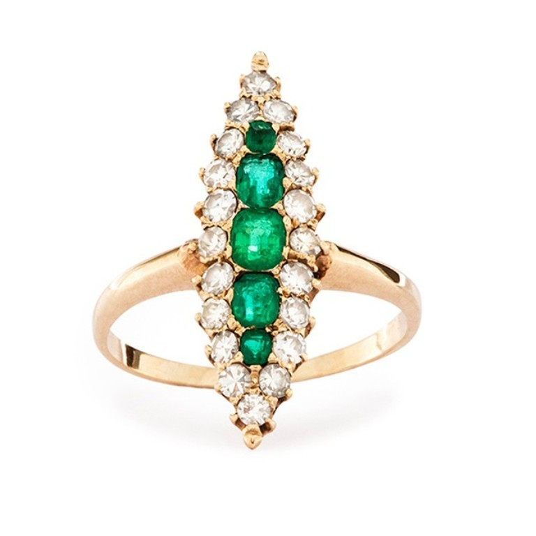 vintage-victorian-emerald-yellow-gold-ring-orleans 25 Victorian Jewelry Designs Reflect Wealth & Beauty