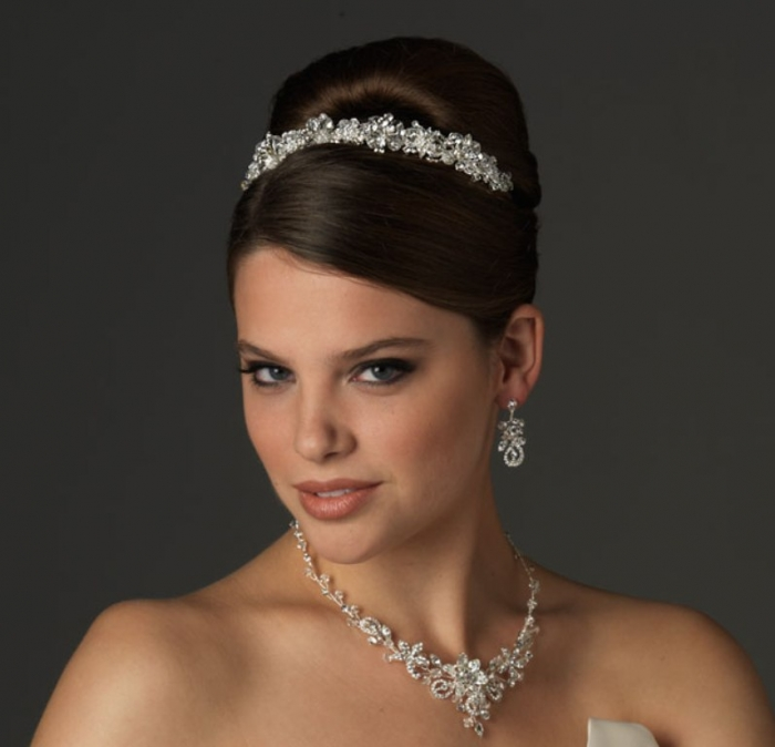 wedding-jewelry-trends-for-2013-2014 How to Choose Bridal Jewelry for Enhancing Your Beauty