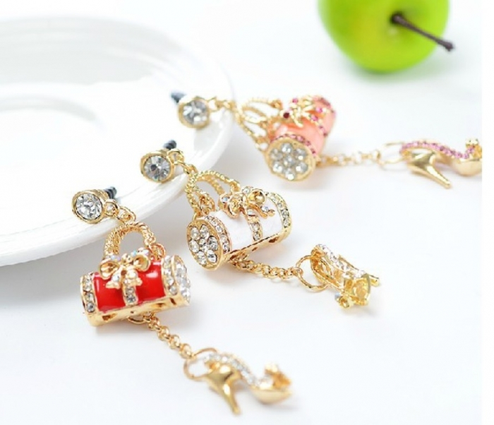 1-pcs-Crystal-Diamond-Sexy-High-heel-Shoe-Style-3-5mm-Headphone-Jack-font-b-Charm Mobile Phone Charms to Renew Your Mobile Phone