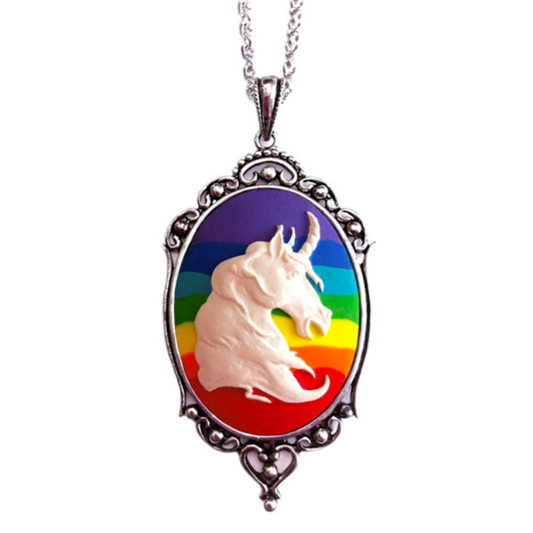 130412-612x612-1 25 Mysterious Rainbow Jewelry Designs