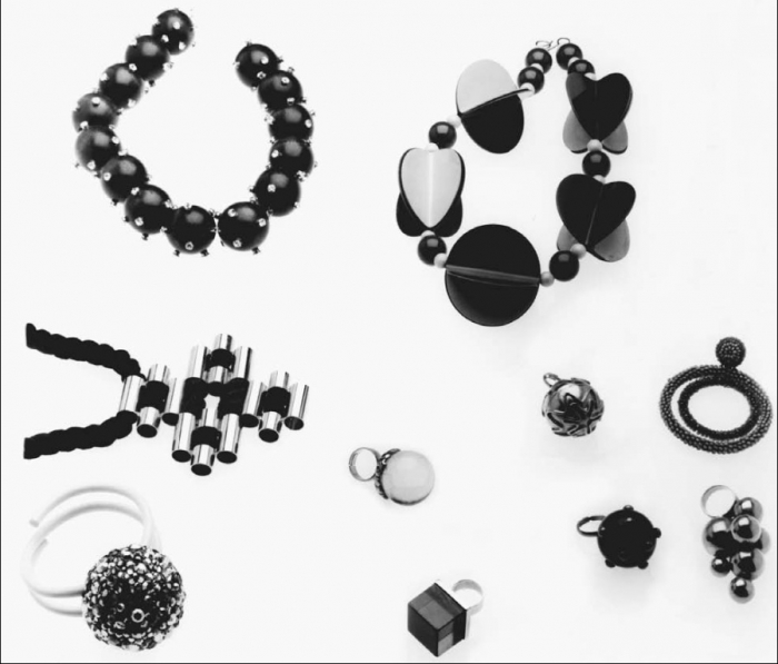 1960s-costume-jewelry Get a Royal & Fashionable Look with Costume Jewelry