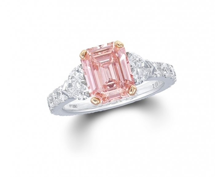 2013_wrap-up_of_a_year_in_colored_diamonds_graff_pink_diamond_reddiam Most Famous Romantic & Unique Jewelry with Pink Diamonds