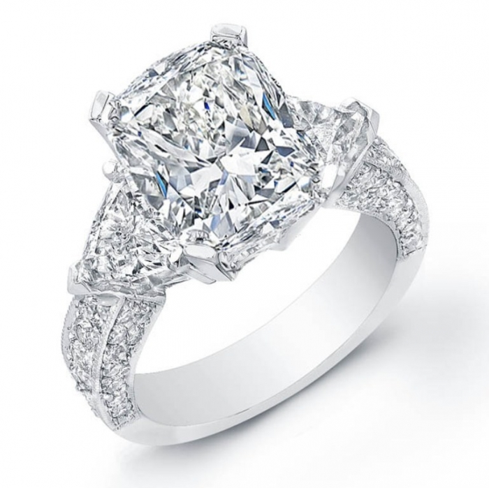 25750 Cushion Cut Engagement Rings for Beautifying Her Finger