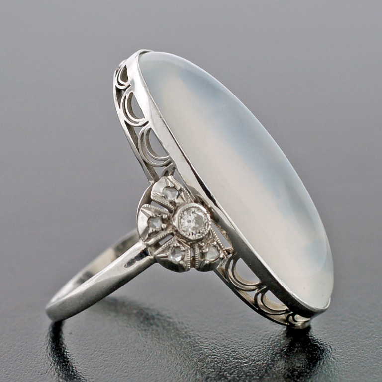 328_1340393483_2 Moonstone Jewelry Offers You Fashionable Look & Healing properties