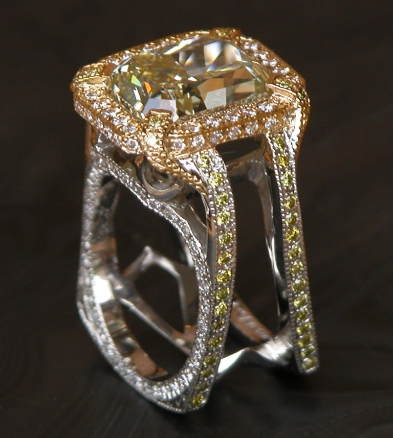 7.5ctfancy-yellow-diamond-ring-043 The Rarest Yellow Diamonds & Their Breathtaking Beauty