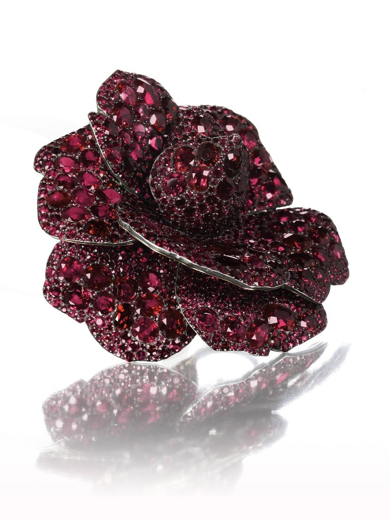 A-ruby-and-diamond-Camellia-flower-brooch-by-JAR-2003 How to Find Pure Ruby