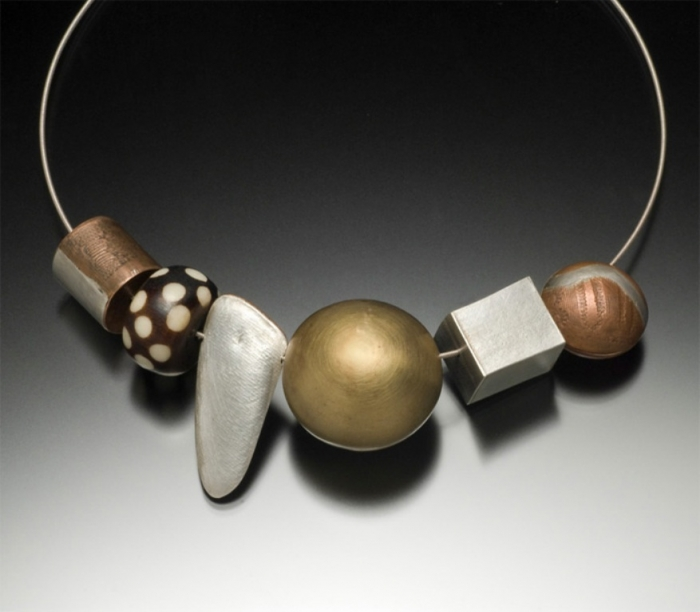 CraftContexts-StatementJewelry-EdithRobertson Create Fascinating & Dazzling Jewelry Pieces Using Wooden Beads