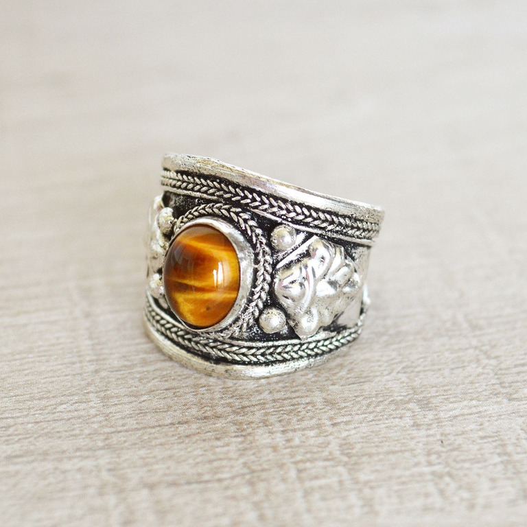 DSC_0185 Tiger Eye Jewelry & Its Unusual Properties