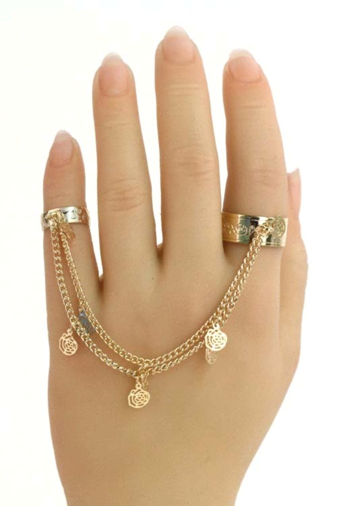 Double-Finger-Chain-Ring-with-Charm-Hand1 Double Finger Rings for Elegant Hands