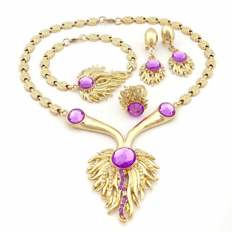 Fashion-Jewelry-Wholesale-Elegant Get a Royal & Fashionable Look with Costume Jewelry