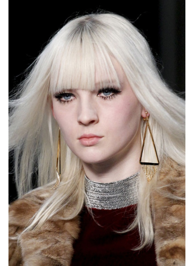 Gold-triangles-at-Saint-Laurent1 Hottest Christmas Jewelry Trends 2017 ... [UPDATED]