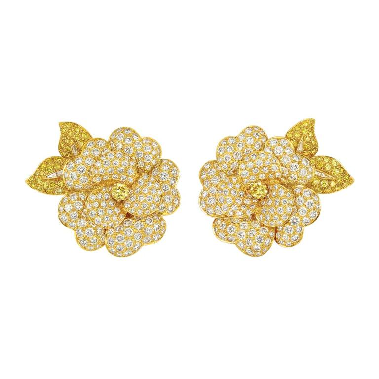 Lot-500-Pair-of-Gold-Fancy-Colored-Yellow-Diamond-and-Diamond-Flower-Clip-Brooches-Van-Cleef-Arpels The Rarest Yellow Diamonds & Their Breathtaking Beauty