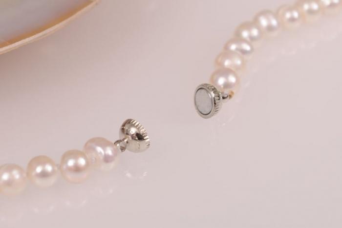 Magnetic Top 7 Types of Necklace Clasps