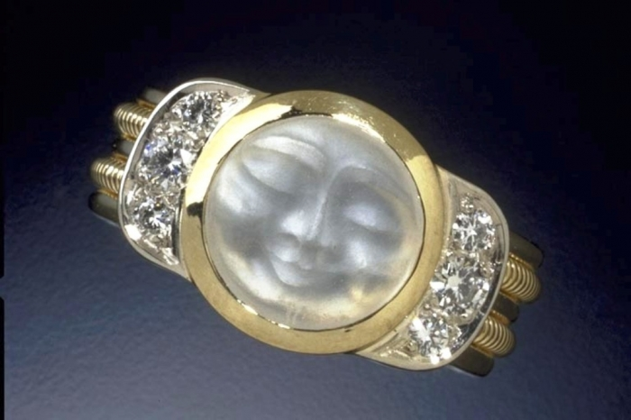 Man-In-The-Moon-Ring1 Moonstone Jewelry Offers You Fashionable Look & Healing properties