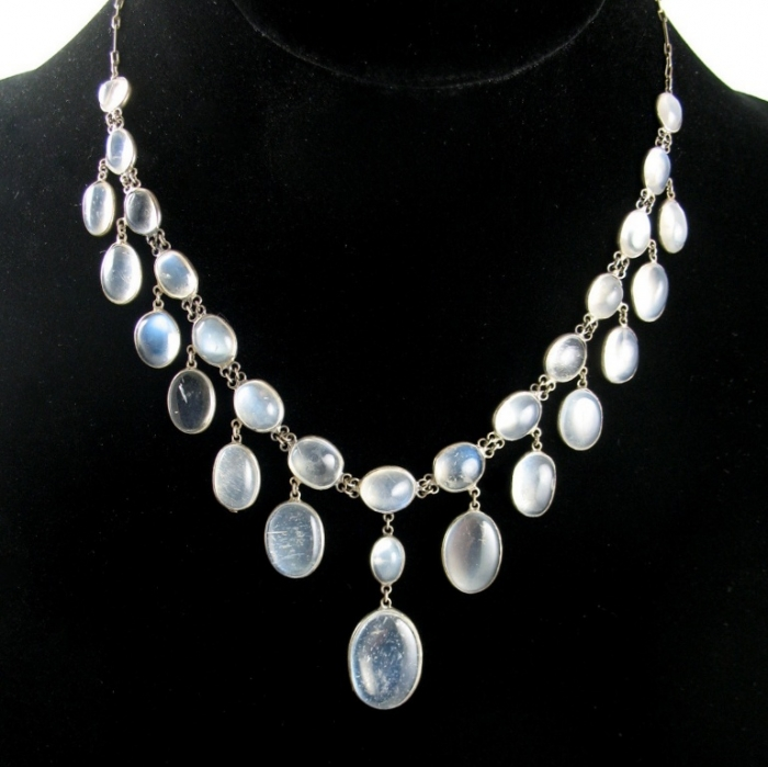 Moonstones-necklace Moonstone Jewelry Offers You Fashionable Look & Healing properties