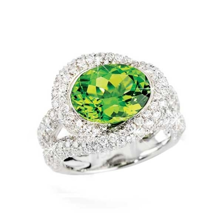 Peridot-ring Most Exclusive Peridot Jewelry that Shines Even at Night