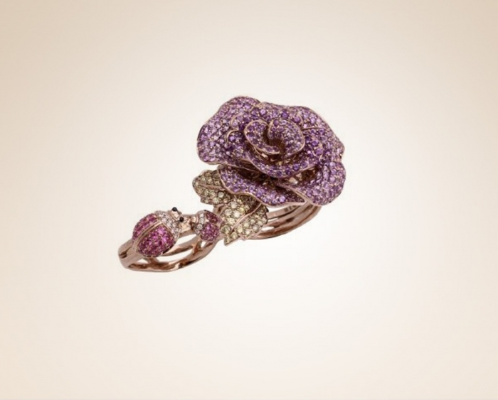 Rose-and-Lady-Birds-Double-Finger-Ring-2.1 Double Finger Rings for Elegant Hands