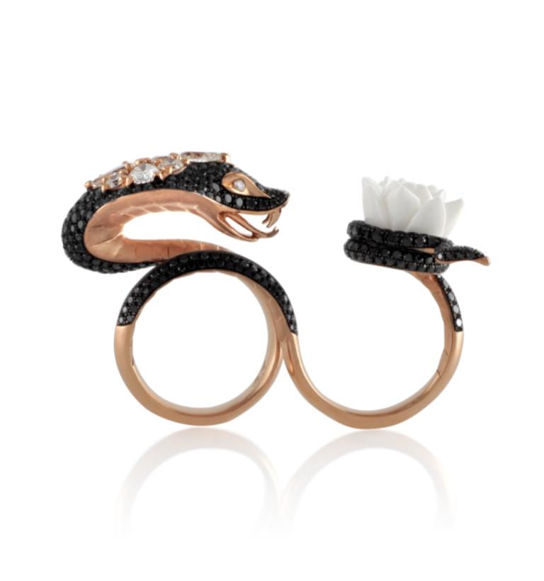 Stephen_Webster_18K_Rose_Gold_and_Black_Diamond_Snake_Ring_front_01 Double Finger Rings for Elegant Hands