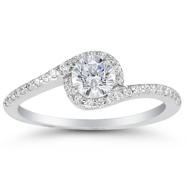Topaz Top 10 Non-Diamond Engagement Ring Types for a More Unique Proposal
