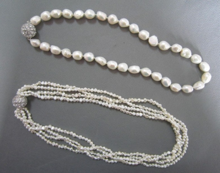 White-Pearl-Necklace-with-Magnetic-Clasp-NL121018-D- Top 7 Types of Necklace Clasps