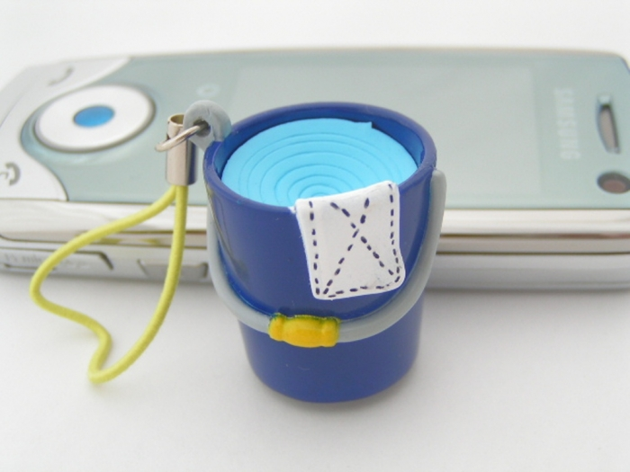 bucket Mobile Phone Charms to Renew Your Mobile Phone