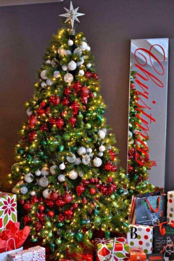 Christmas tree 2014 decorating trends tdjtakia Latest christmas decorations