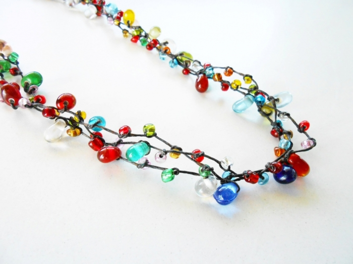 colorful-glass-beads-wax-string-necklace-handmade-jewelry_1 Glass Beads for Creating Romantic & Fashionable Jewelry Pieces