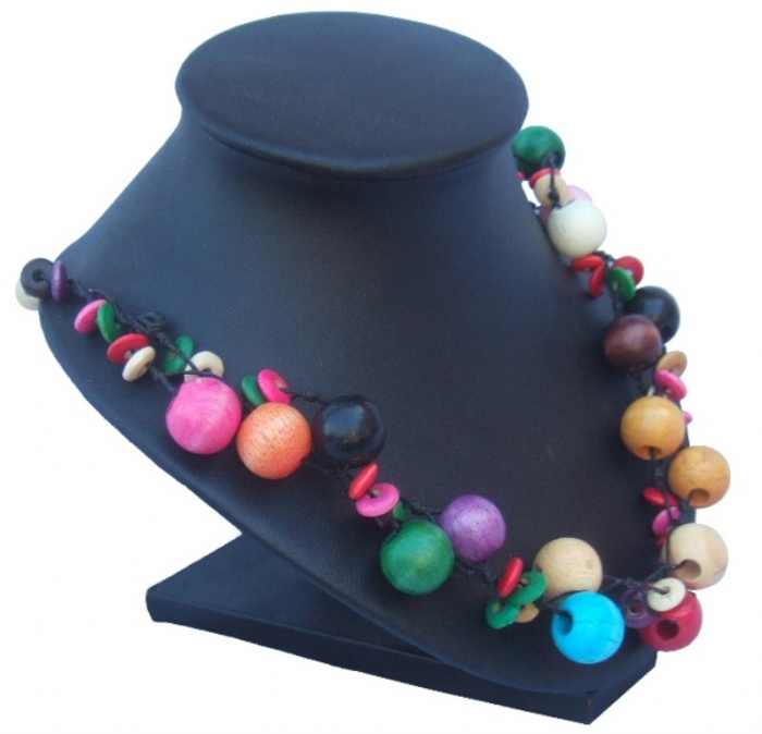 colourful-wooden-bead-necklace-2 Create Fascinating & Dazzling Jewelry Pieces Using Wooden Beads