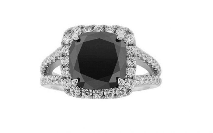 cushion-cut-vintage-engagement-rings-3 How to Select the Best Engagement Ring