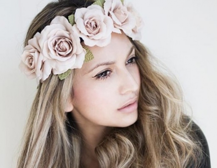 """ideas-for-wearing-a-headband-fashionisers """"Wedding Headbands"""" The Best Choice for Brides, Why?!"""