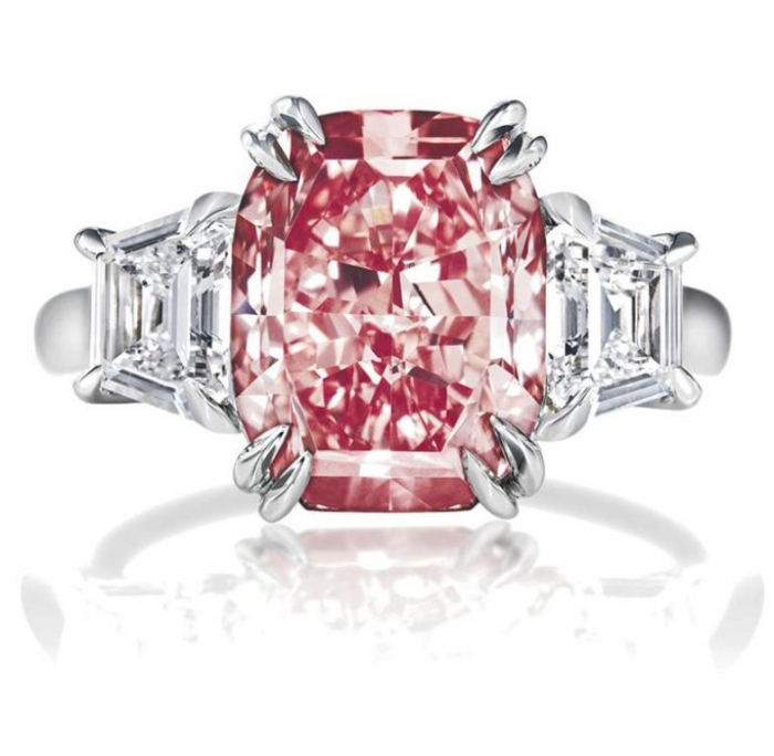 large-1 Most Famous Romantic & Unique Jewelry with Pink Diamonds
