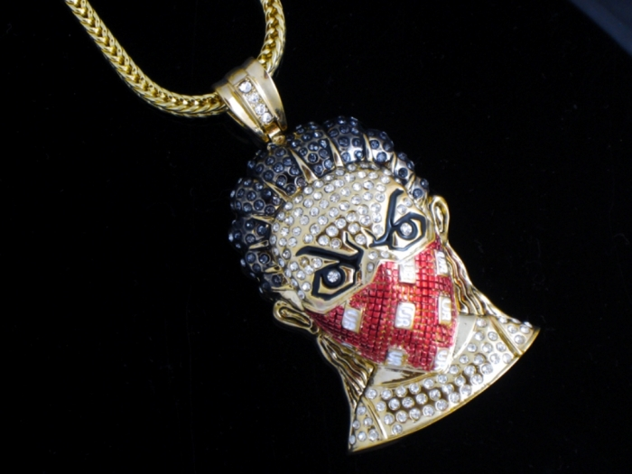 m169_boondocks_maskman_hip_hop_necklace_red_2_11 Hip Hop Jewelry to Attract More Attention
