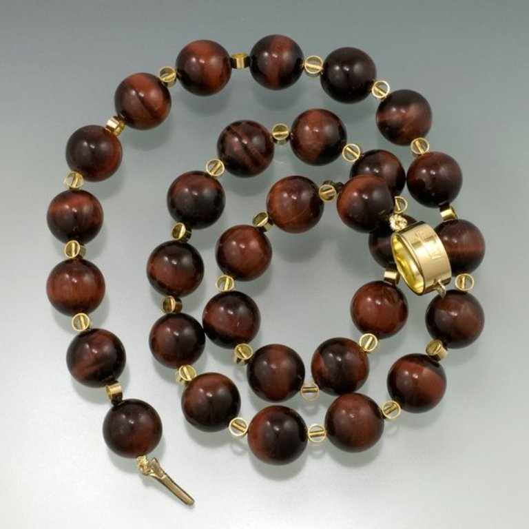 maria-necklace-UDU2Ny0xMjc2NS41ODQwMw Tiger Eye Jewelry & Its Unusual Properties