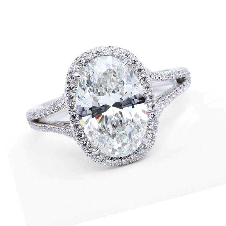 oval-cushion-cut-diamond-engagement-rings Cushion Cut Engagement Rings for Beautifying Her Finger