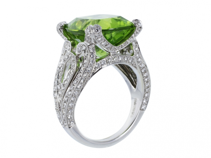 peridot-rings Most Exclusive Peridot Jewelry that Shines Even at Night