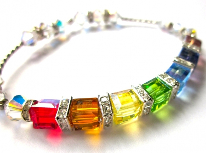 product-original-27699-4801-1337025985-f3855d587961df72b94a24247eff1ebe 25 Mysterious Rainbow Jewelry Designs
