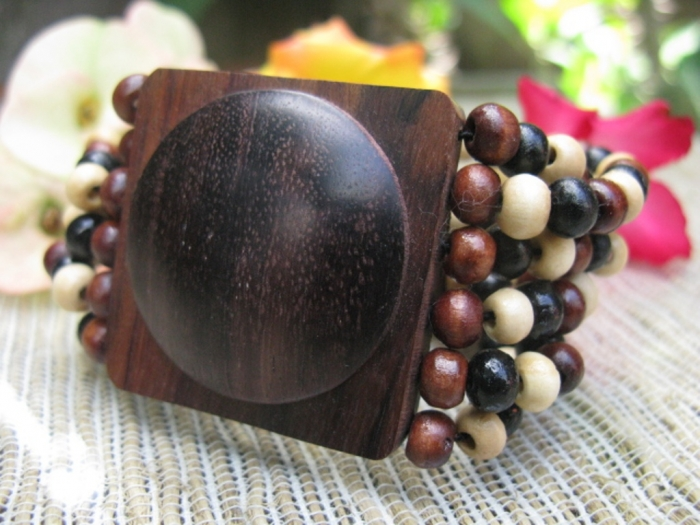 stetches-bracelet-wooden-beads-allseasonjewelry-com-jewelry-handcrafted-nature-fashion-29668056-640-480 Create Fascinating & Dazzling Jewelry Pieces Using Wooden Beads