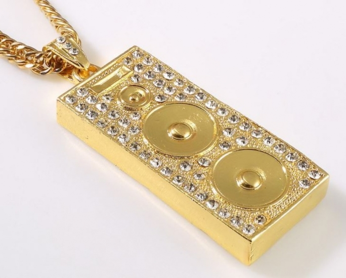 sw9024-pendentif-bling-bling-enceinte-or-02 Hip Hop Jewelry to Attract More Attention