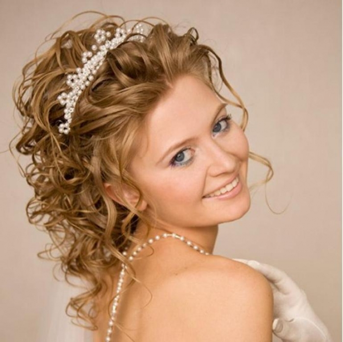 """wedding-hairstyle-ideas-with-headband-long-curly-hair """"Wedding Headbands"""" The Best Choice for Brides, Why?!"""